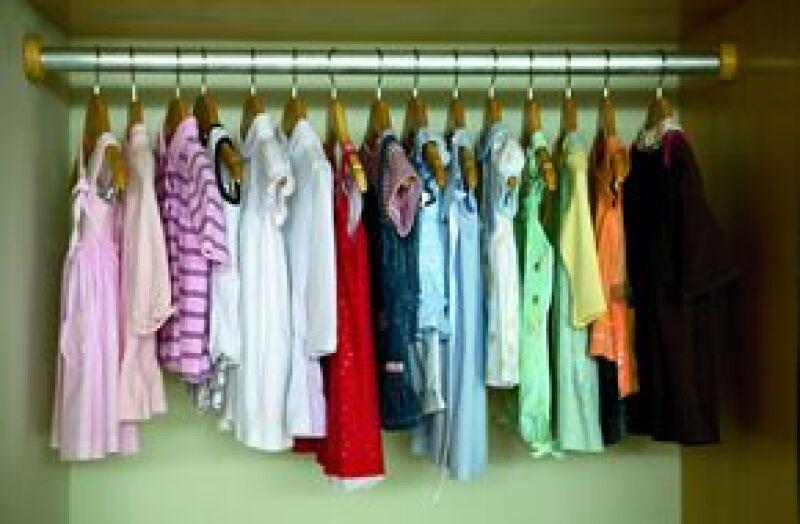 Mucha de la ropa de la bebé ha sido regalo de la abuela materna, Paulina Castañón, y del papá de Chucho, Guillermo Sesma.