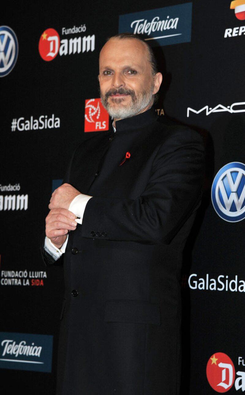 Miguel Bosé tuvo 4 hijos a través de un vientre de alquiler.