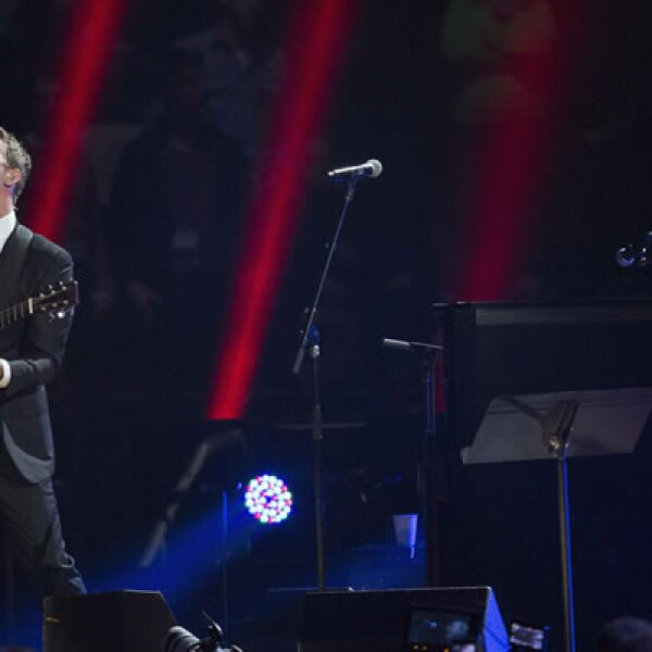 El concierto fue transmitido por 37 televisoras de Estados Unidos y más de 200 a nivel mundial. Chris Martin, vocalista de Coldplay, cantó 'Viva la Vida'.
