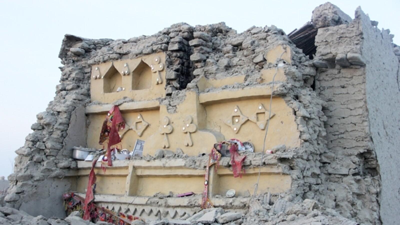 escombros dejados por el sismo