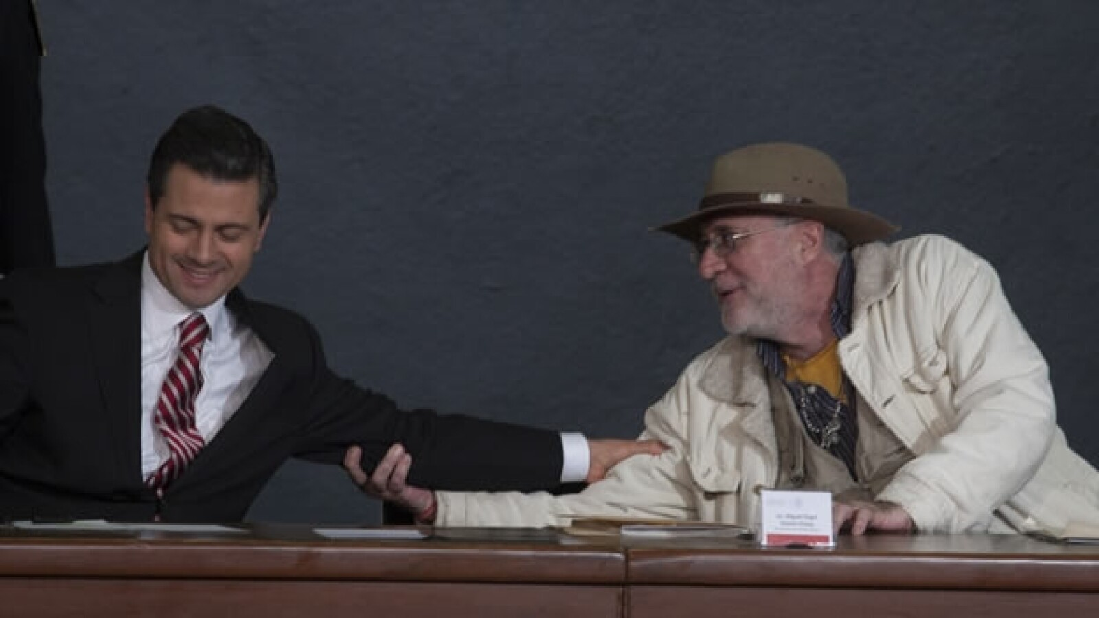 Javier Sicilia y Peña Nieto