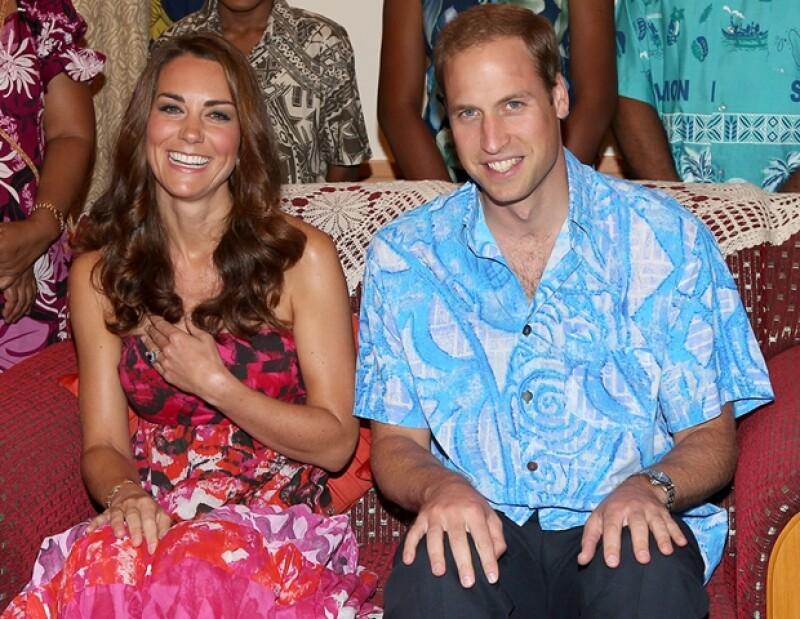 La Duquesa de Cambridge portó un vestido tradicional de las Islas Cook para un evento en el que debía usar la vestimenta de las Islas Salomón durante su gira por el Sureste Asiático.