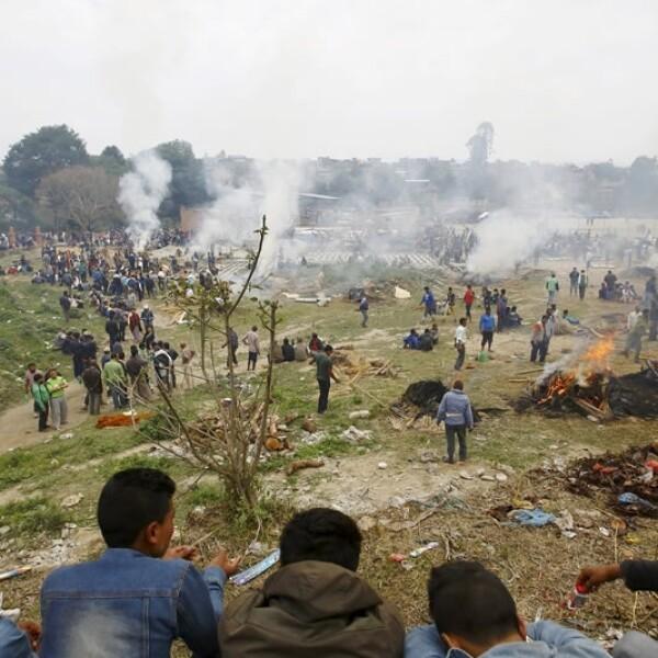 Crematorio campo abierto Bhaktapu Nepal