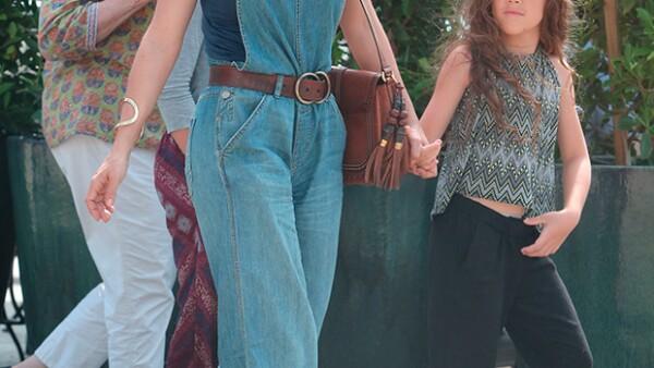 Salma Hayek y su hija derrocharon estilo en West Hollywood.