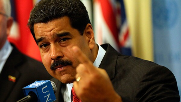 El páis sudamericano enfrenta una crisis de energía eléctrica por lo que buscarán reducir el gasto con esta medida.