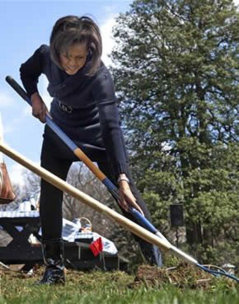La primera dama de los Estados Unidos utilizó el espacio de uno de los jardines de la residencia presidencial para plantar frutas y verduras.