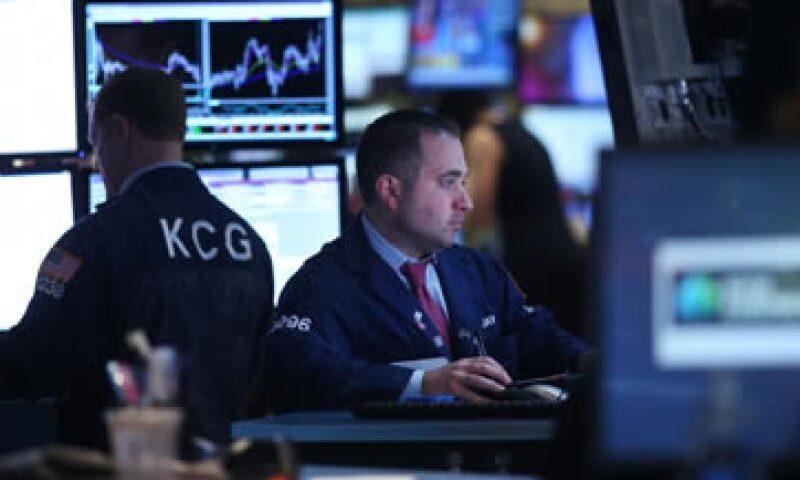 Mientras que las Bolsas cae, el petróleo Brent subía a más de 109 dólares por barril este jueves. (Foto: Getty Images)