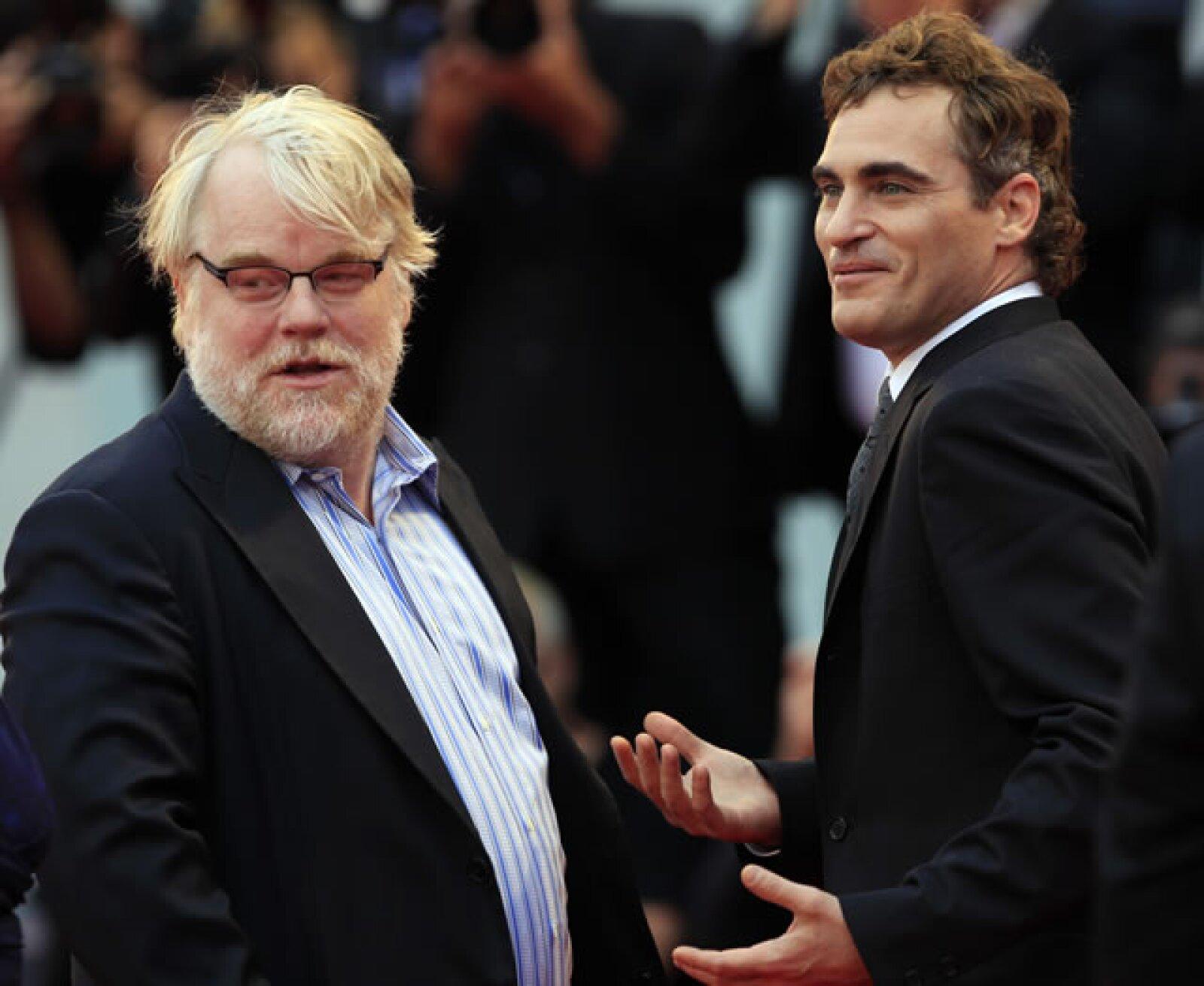 Philip Seymour Hoffman y Joaquin Phoenix intercambiaron saludos.