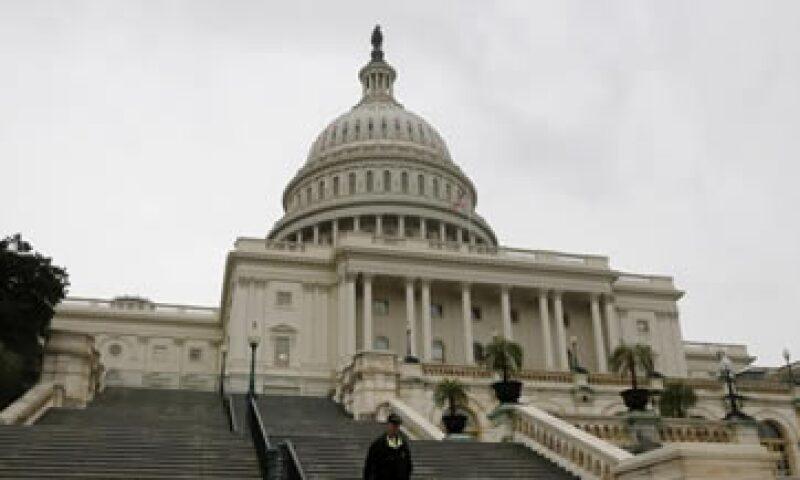El Congreso de EU debe elevar el techo de deuda antes del 17 de octubre para evitar un cese de pagos del país.  (Foto: Getty Images)