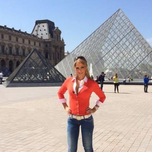 La guapa Inés Sainz se encuentra por cuestiones de trabajo en París.