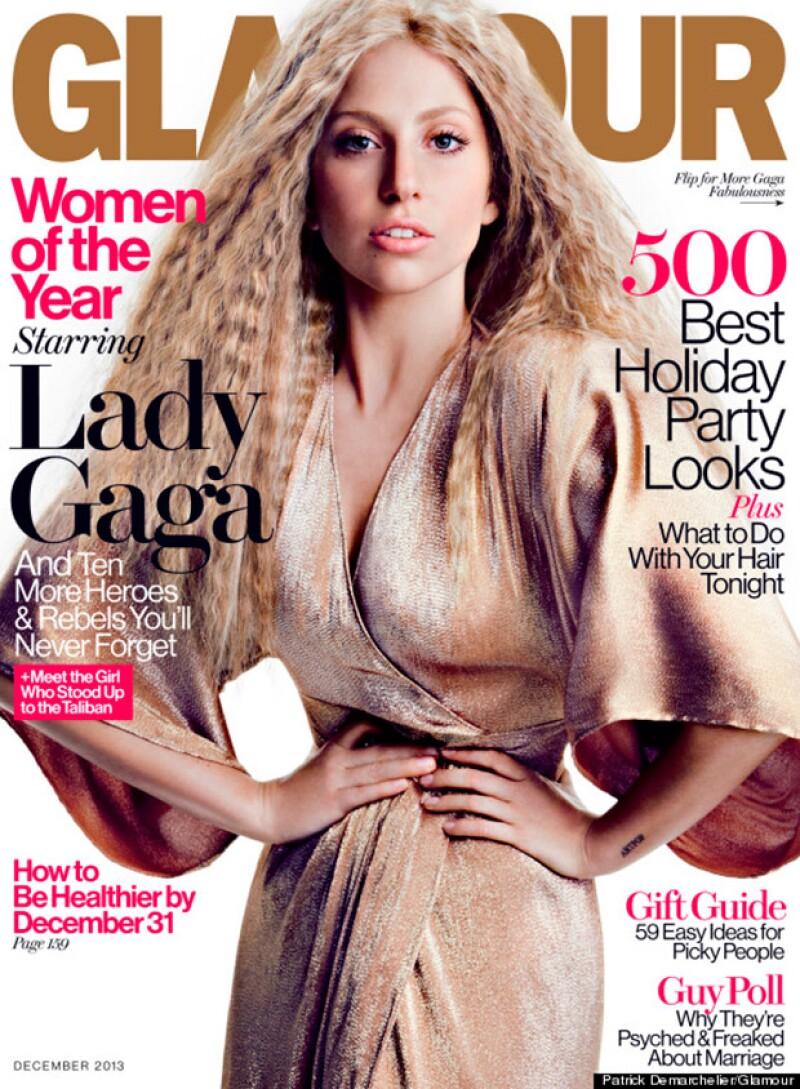 Lady Gaga se pronunció contra las portadas que generan ideales de belleza alejados de la realidad.