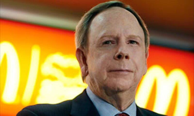 Jim Skinner, quien duró 41 años en la empresa, indicó que a la firma le afectan negativamente las materias primas y la moneda. (Foto: Cortesía CNNMoney.com)