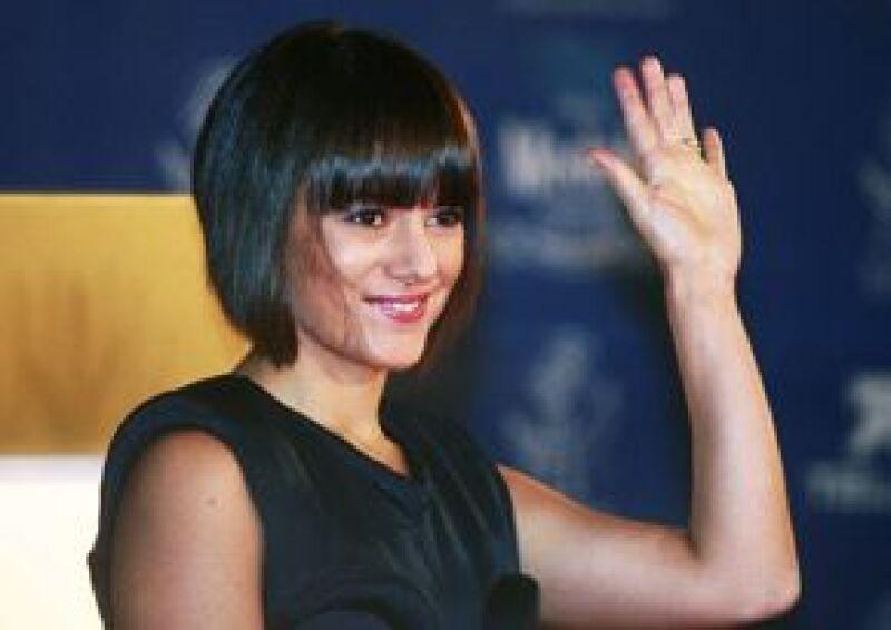 La cantante francesa cautivó al público hidrocálido al dirigir algunas palabras en español, lengua que no domina.