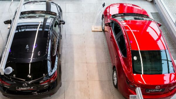 Mazda dos autos
