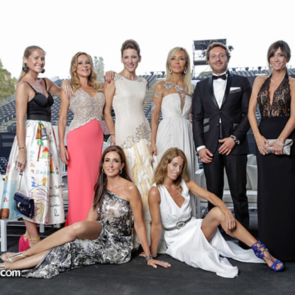 Fiona Ferrer, Ana Obregón, Remedios Cervantes, Carmen Lomana, Juan Peña y su cuñada, Elsa Anka y Mónica Martín Luque