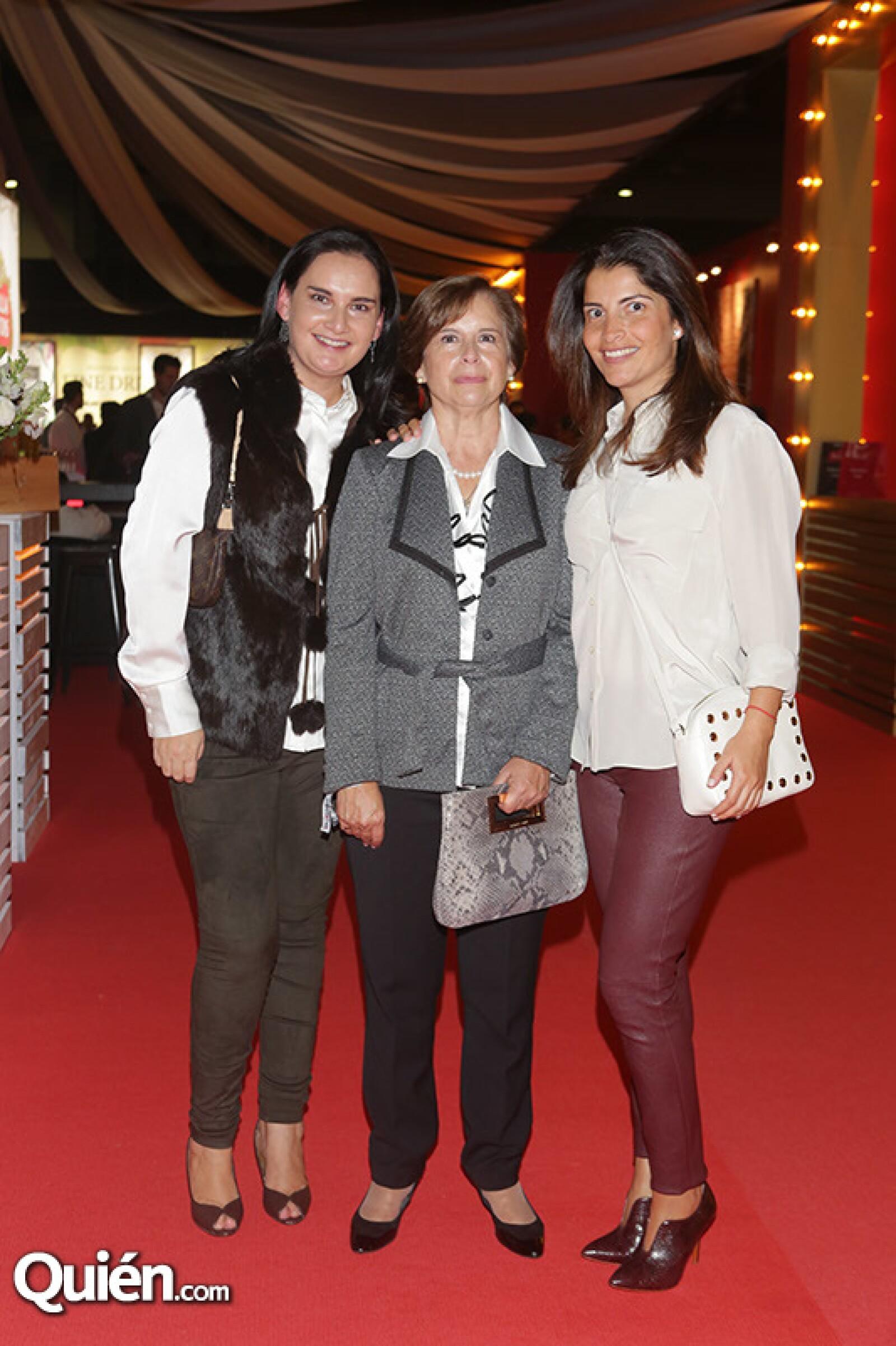 Adriana, Alma y Alejandra Vargas