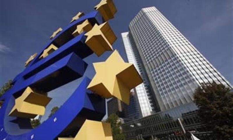 Alemania y Francia aún discuten sobre el papel que el BCE debe tomar para detener la crisis en la zona euro. (Foto: Reuters)