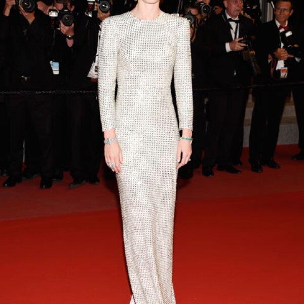 Emily Blunt llevó un vestido Stella McCartney para la premiere de Sicario.