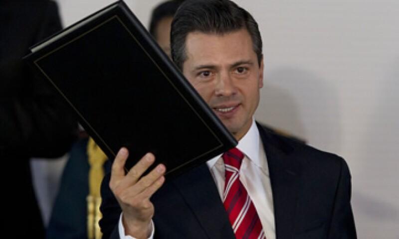 El presidente Enrique Peña Nieto también posee obras de arte, que le fueron donadas o heredadas, joyas y muebles. (AP)