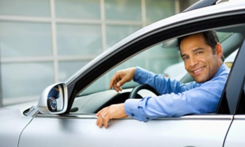 Las empresas deben fabricar tecnología para los autos que requieran menos tiempo de uso: autoridades. (Foto: Thinkstock)