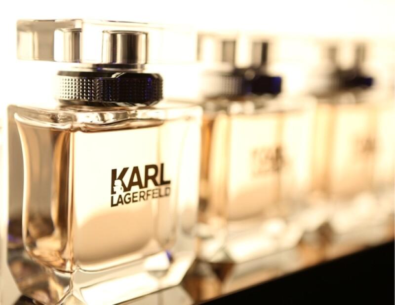 Fragancia femenina Karl Lagerfeld.