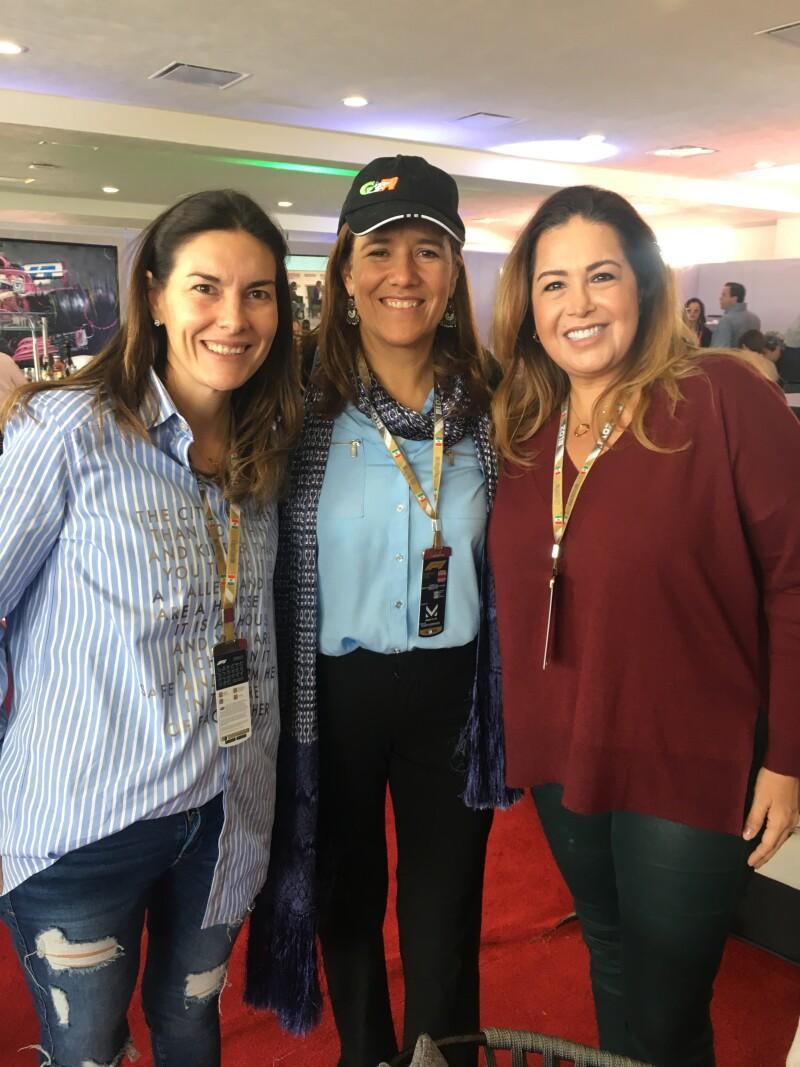 Margarita Zavala y dos asistentes al GPM