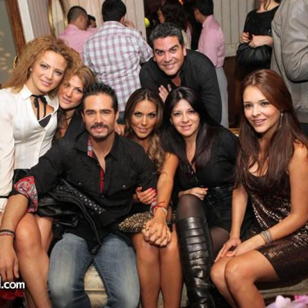Silvia Navarro,Ilka Manzanilla,José Ron,Karla Pineda,Martha Carrillo,Gretel Valdés