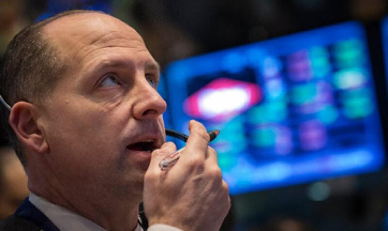 Las acciones en EU cerraron con pérdidas tras la toma de ganancias de los inversores. (Foto: Reuters)