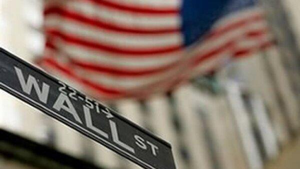 El FBI ha emprendido una investigación sobre el uso de información privilegiada por parte de los fondos de cobertura en Wall Street.  (Foto: Archivo)