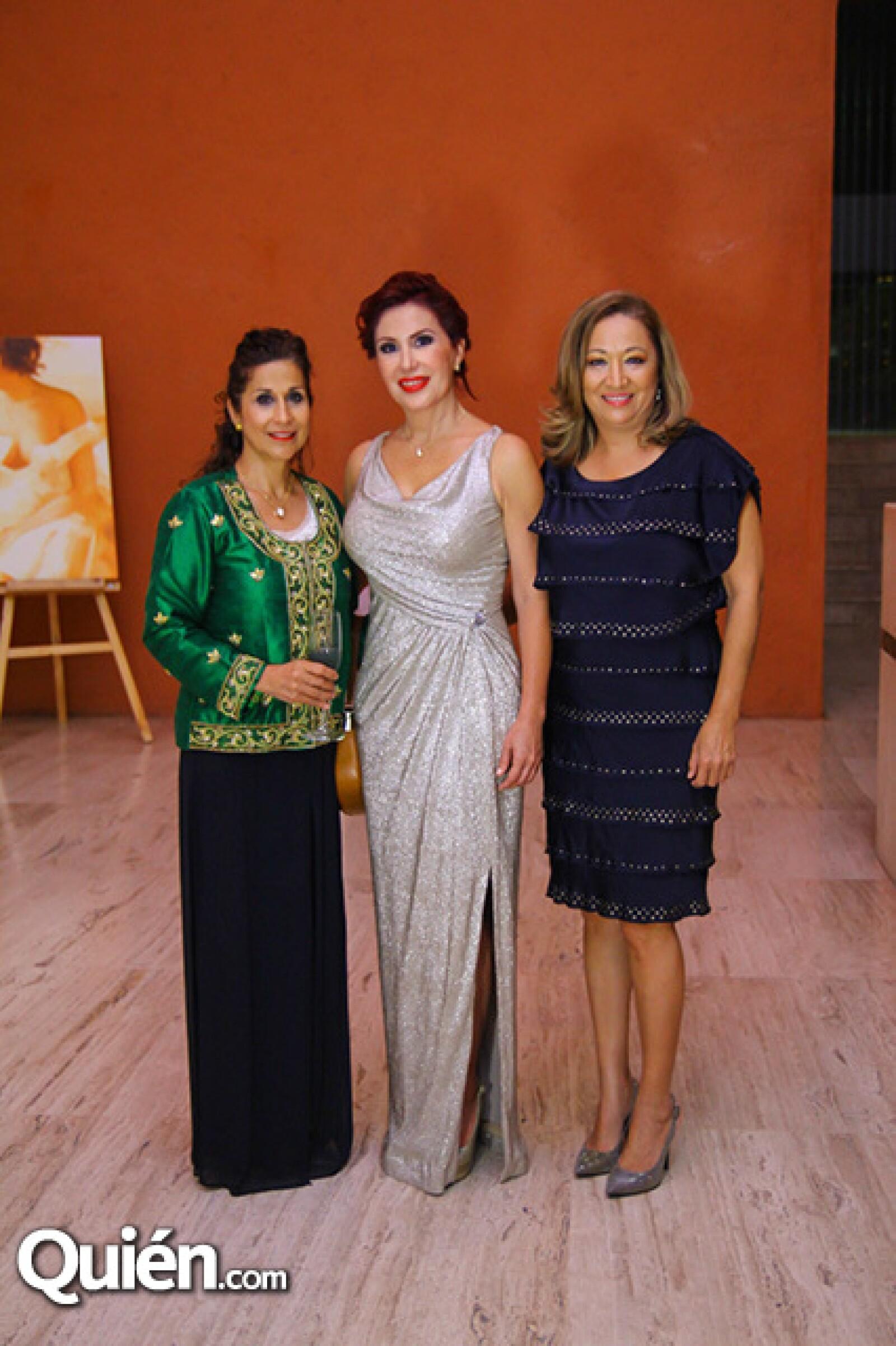 Liliana García,Elsa Martínez y Angeles Wong