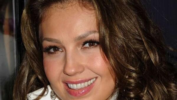 """""""Qué será de ti"""" se desprende de su más reciente producción discográfica """"Thalía en primera fila"""", la cual ha vendido más de 200 mil copias."""