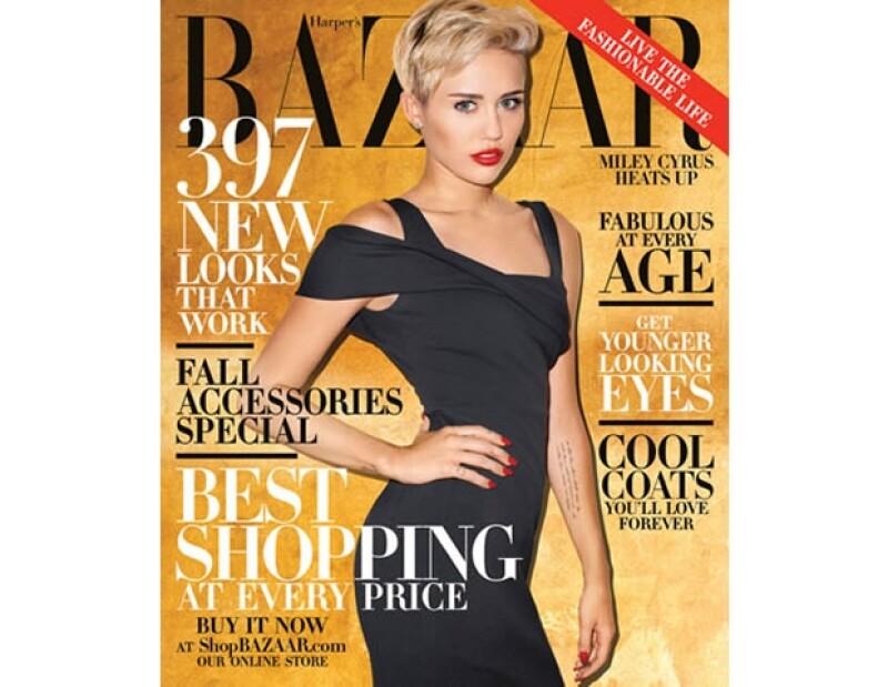 Después de que Vogue rechazara poner a Miley en portada, tras su presentación en los VMA´s, esta fue la portada que hizo.