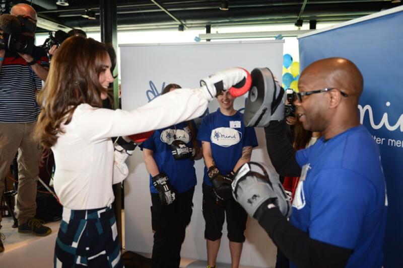 El tres veces campeón de boxeo Duke McKenzie comentó que la duquesa de Cambridge estaba ansiosa por ponerse los guantes para dar unos buenos golpes.