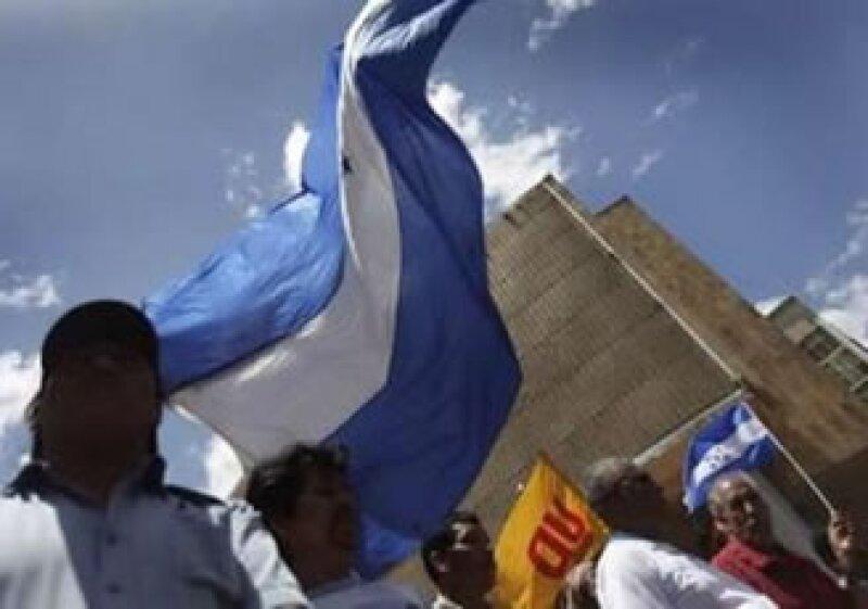 La crisis política que padece Honduras podría desencadenar en una guerra civil. (Foto: Reuters)