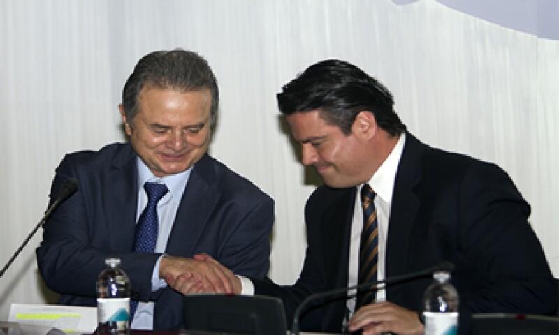 El secretario de Energía, Pedro Joaquín Coldwell con el gobernador de Jalisco, Aristóteles Sandoval al anunciar la nueva planta de Enel (Foto: Alfredo López Tagle)