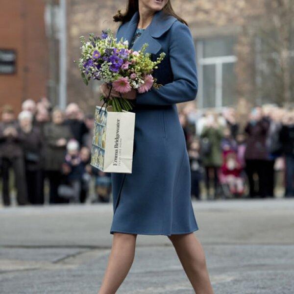Kate Middleton visita la fábrica de tazas de Emma Bridgewater.