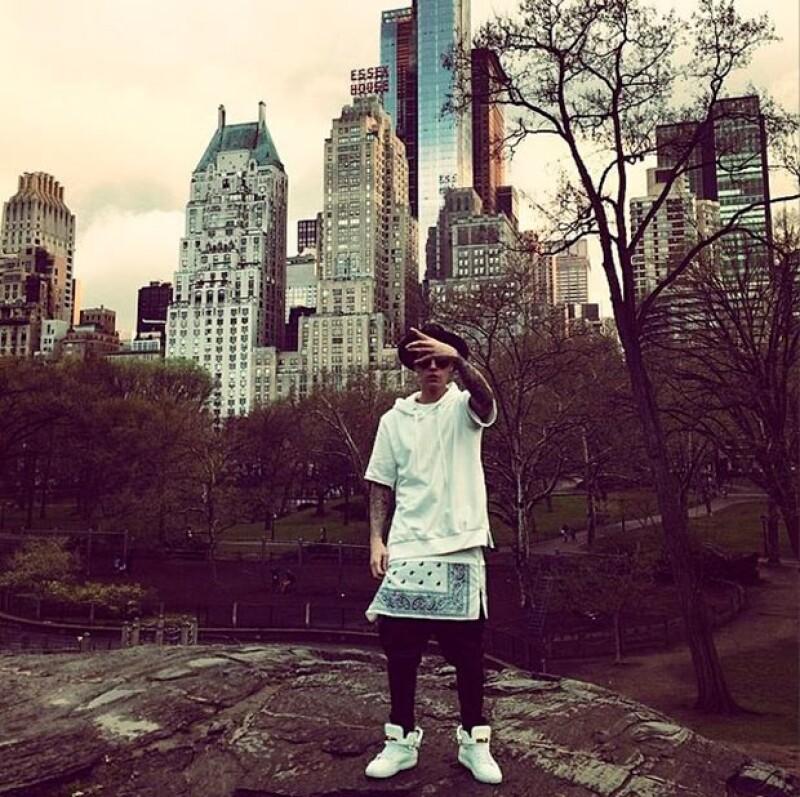 El ídolo juvenil compartió en Instagram una fotografía en Central Park con un texto que podría indicar que su relación con Selena Gomez aún no ha terminado.