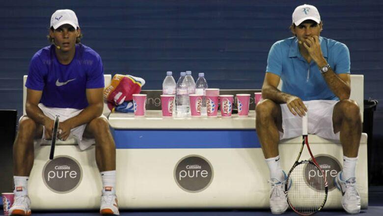 Los dos mejores tenistas del mundo, Rafael Nadal y Roger Federer jugaron un partido de exhibición junto a otros personajes del tenis para juntar fondos económicos para Haití.