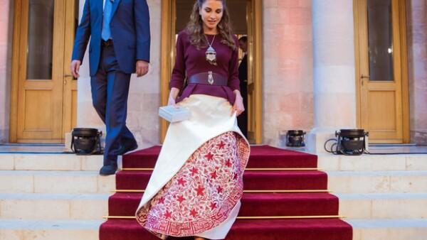 La reina Rania siempre ha sido un ejemplo de sstilo y glamour, así como una pionera en la moda y los eventos reales. El día de independencia de Jordania no fue la excepción.