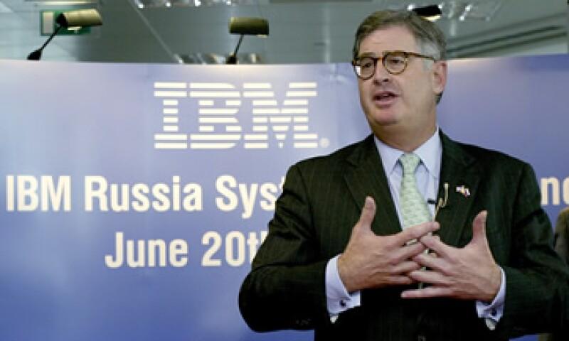 Sam Palmisano, abandonó los negocios de márgenes bajos, incluido el de computadoras personales durante el tiempo en el que ha estado al frente de IBM. (Foto: Thinkstock)