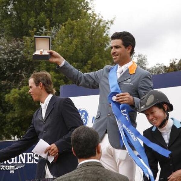 Fernando Martínez,Nicolas Pizarro,Jennifer Tiegle