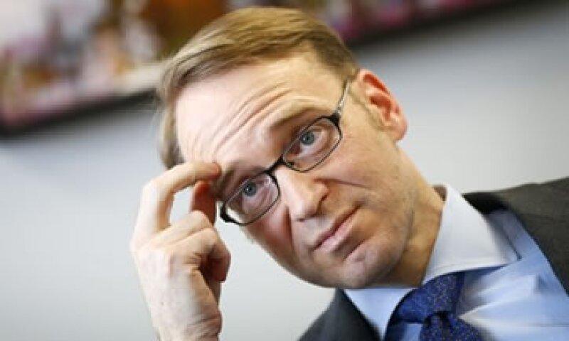 Weidmann afirma que comprar bonos equivale a financiar directamente a los gobiernos, lo que no está permitido por las leyes europeas.  (Foto: Reuters)