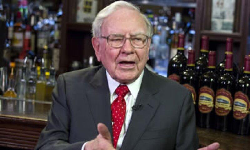 Buffett elogió a la precandidata presidencial demócrata Hillary Clinton. (Foto: Reuters )