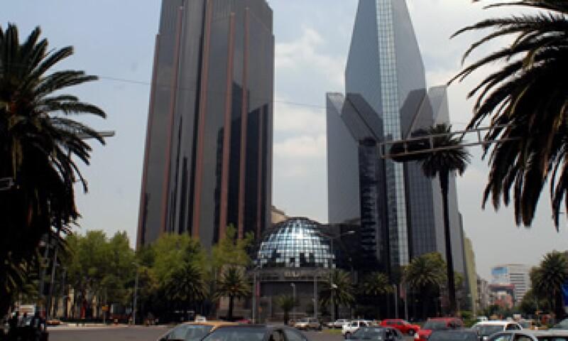 El IPC se ubica en las 43,000.63 unidades. (Foto: Notimex)