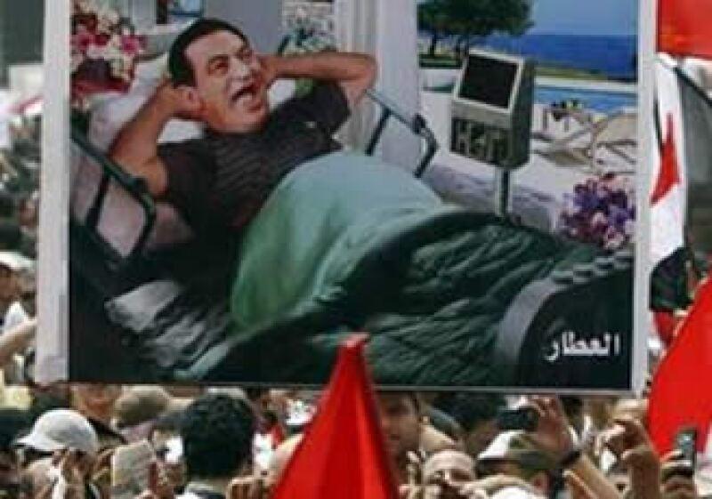 Al menos 800 personas murieron durante los 18 días de protestas que derrocaron a Mubarak.  (Foto: Reuters)