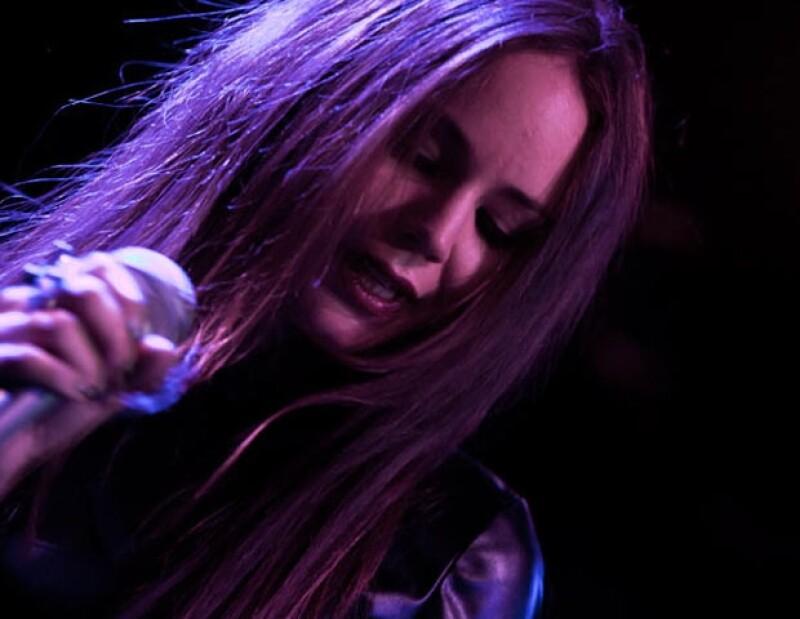 """La cantante es la vocalista de la agrupación """"Ella y el Muerto""""."""