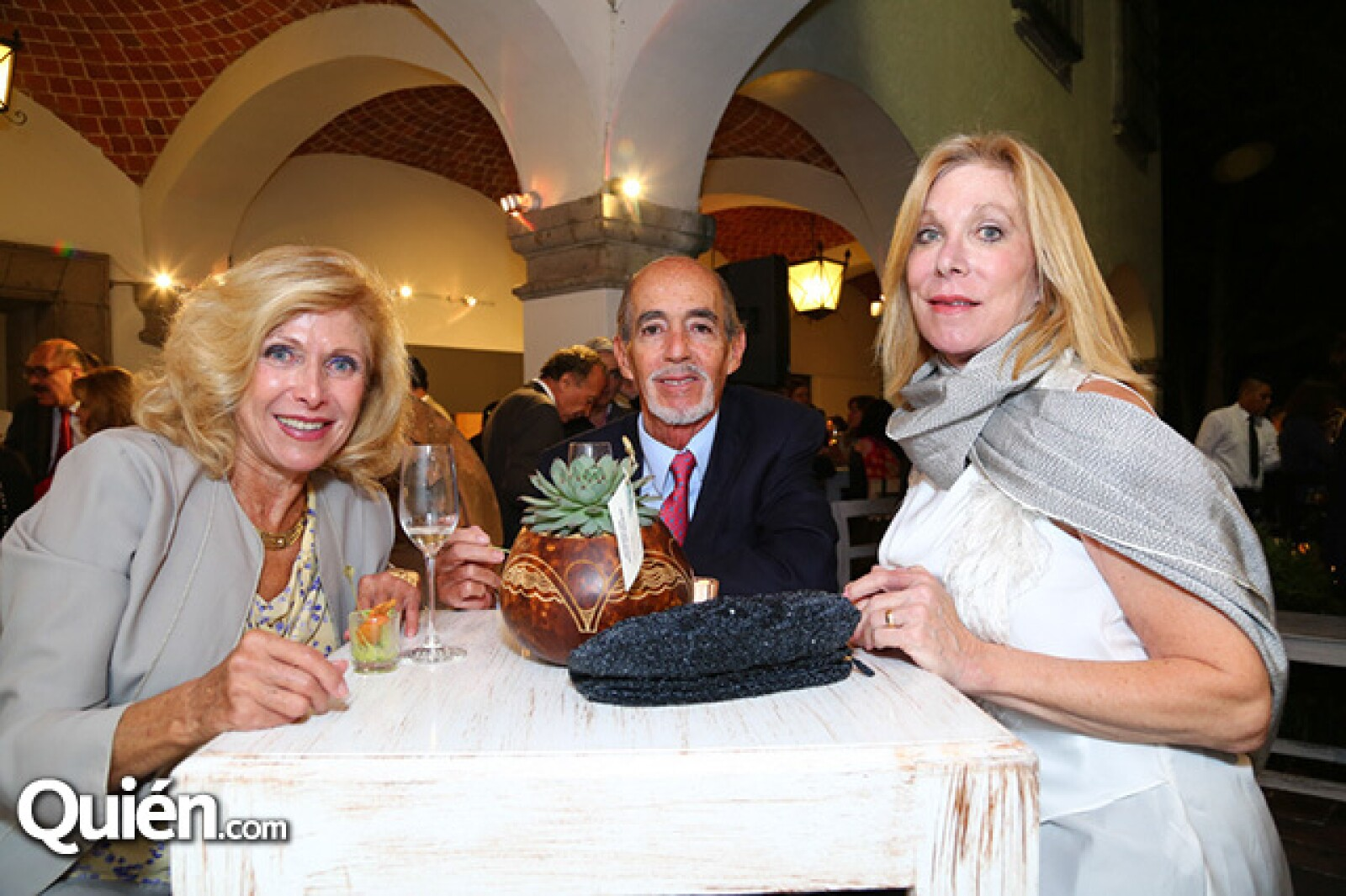 Eva Hernández Casanova, Raúl Martínez Ostos y Leslie Gold