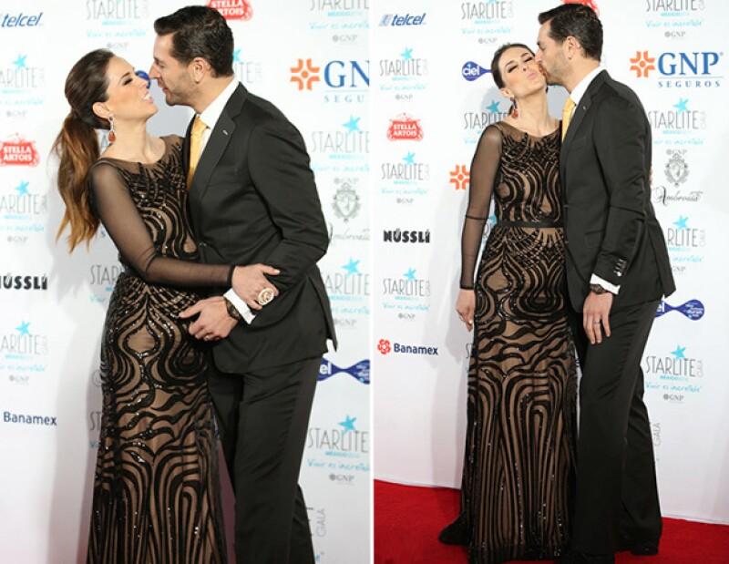 La pareja lució muy enamorada durante el evento.