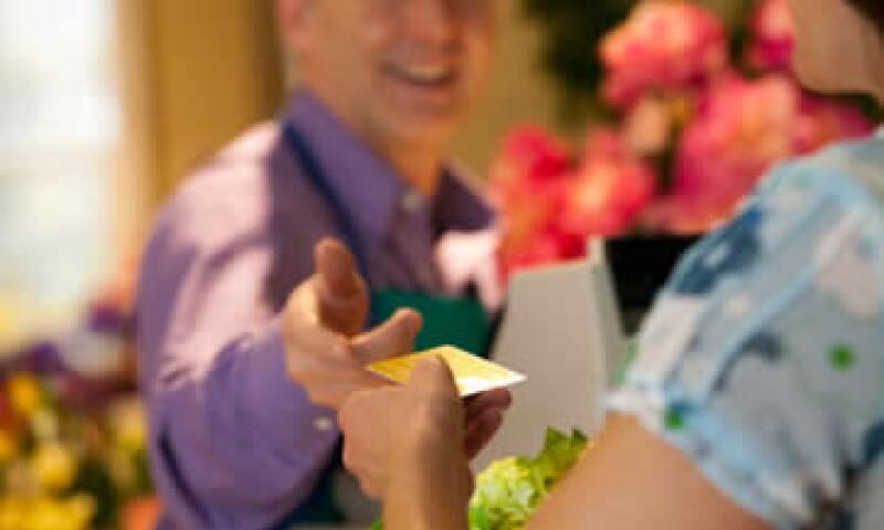 Aceptar tarjeta en tu Pyme puede ser muy sencillo. (Foto: Getty Images)