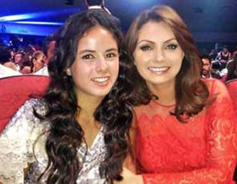 La Primera Dama de México acudió a la entrega TvyNovelas en Acapulco debido a que su hija, Sofía Castro, estuvo nominada como Revelación Femenina.